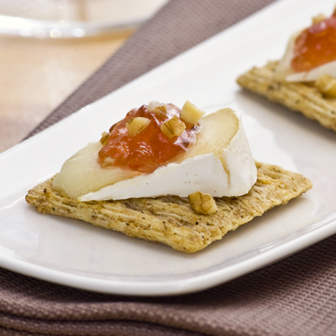 TRISCUIT Warm Brie and Nut Bites Recipe