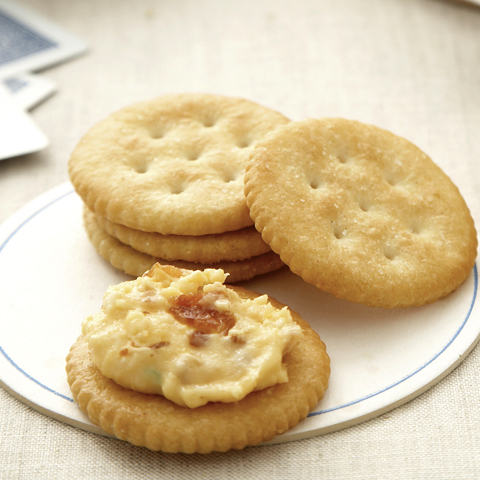 La meilleure tartinade au bacon et au fromage RITZ recette