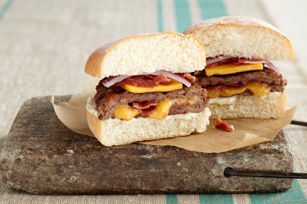 Cheesy Bacon-Stuffed Burgers Recipe