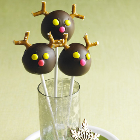 Reindeer Cookie Ball Pops Recipe