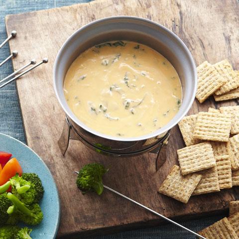 Garlic, Spinach & Cheddar Fondue Recipe