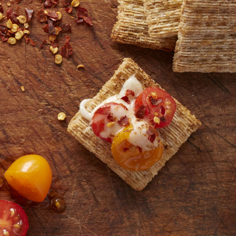 Spicy Caprese TRISCUIT Toppers Recipe