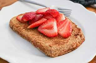 Crunchy French Toast with Fresh Strawberries Recipe
