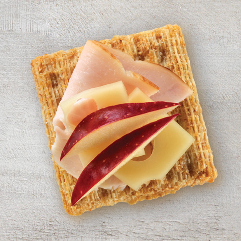 Bouchées TRISCUIT à la dinde, aux pommes et au fromage suisse recette
