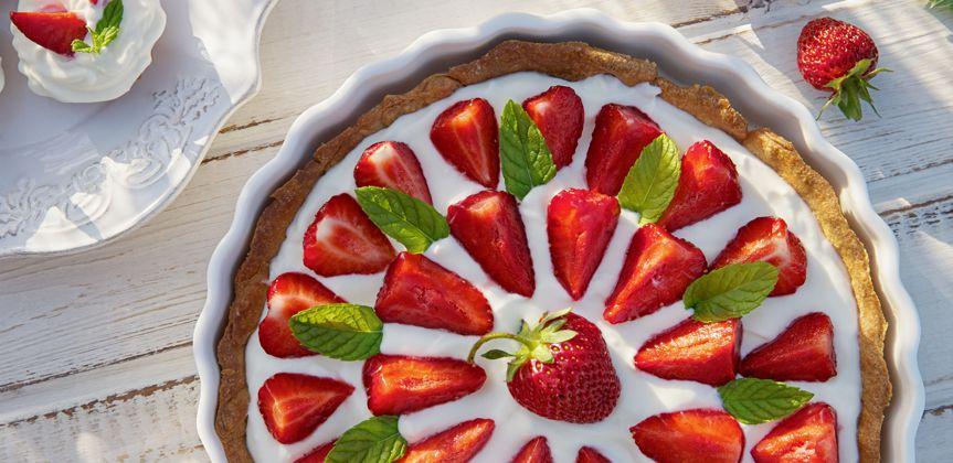 Tarta de fresas y yogur natural