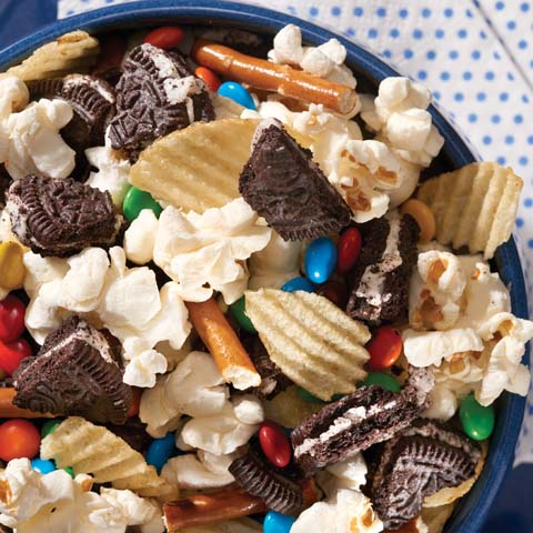 OREO Field Goal Snack Mix Recipe