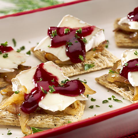 Caramelized Onion, Brie & Raspberry TRISCUIT Recipe