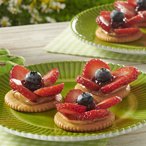 RITZ PB & Berry Flowers Recipe