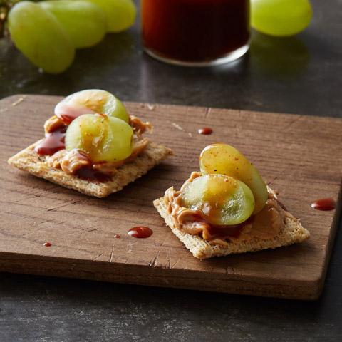 PB & Grape TRISCUIT Bites Recipe