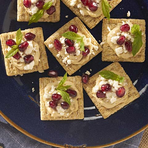 Hummus-Pomegranate TRISCUIT Topper Recipe