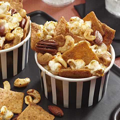 Sweet and Spicy WHEAT THINS Snack Mix Recipe