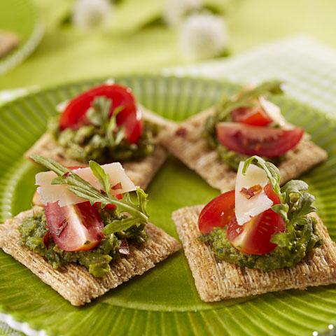 TRISCUIT Spring Pea Pesto Bites Recipe