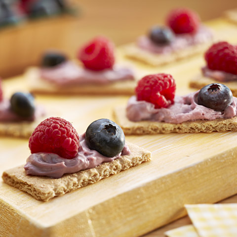 Triple-Berry Graham Bites Recipe