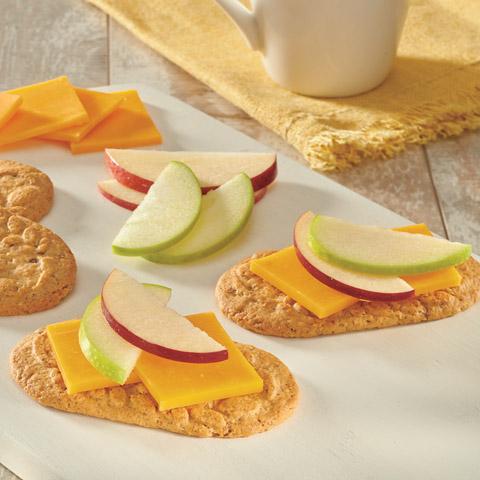 Apple 'n Cheddar belVita Breakfast Topper Recipe
