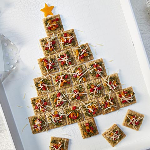 TRISCUIT Pesto Holiday Tree Recipe