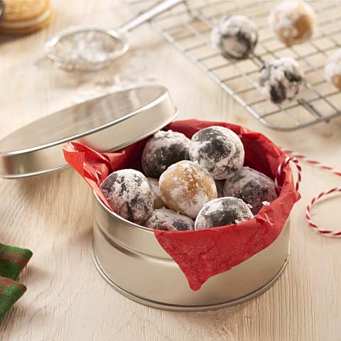 Snowball OREO Cookie Balls Recipe