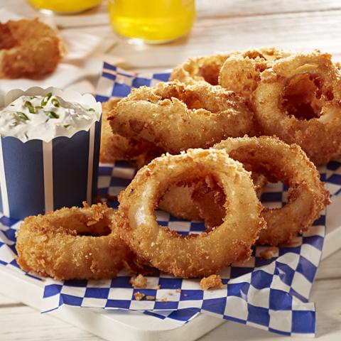 Rondelles d'oignons RITZ avec sauce à la crème au raifort recette