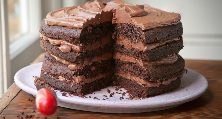 cake not red velvet cake with fudge glaze peanut butter hot fudge cake ...