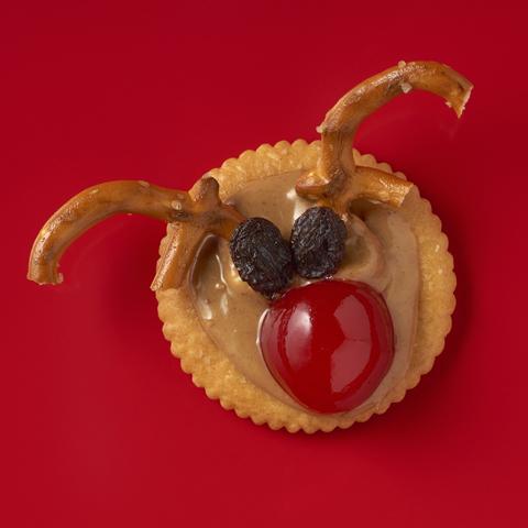 RITZ PB & Pretzel Reindeer Recipe