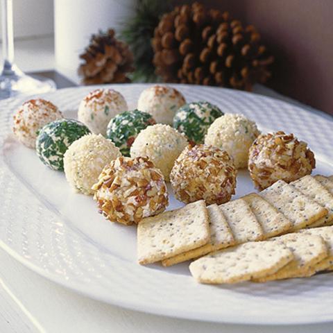 Truffes au fromage des Fêtes CHRISTIE SOCIABLES Recipe