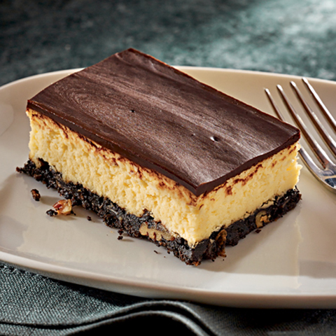 Layered Nanaimo Bar Cheesecake Recipe