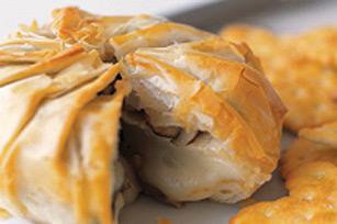 Brie en pâte filo avec champignons recette