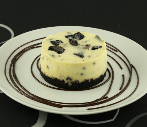 Individual Cookies 'N' Cream Cheesecakes made with OREO Base Cake and Pieces Recipe