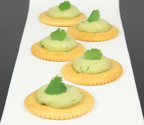 Avocado Hummus Spread with RITZ Crackers Recipe