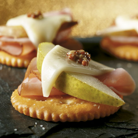 Open-Face Pear, Ham & Cheese Snacks Recipe