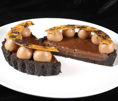Caramel-Chocolate Tarts with OREO Base Cake Recipe