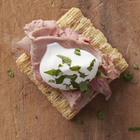 TRISCUIT Lamb Bites with Minted Yogurt Sauce Recipe