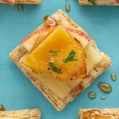 Acorn Squash, Apple & Cheese Melts Recipe