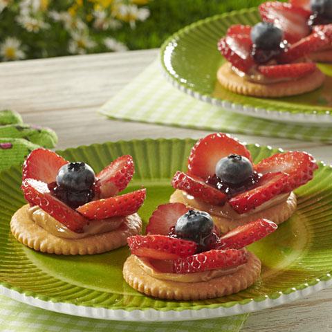 RITZ PB & Berry Flowers Recipe
