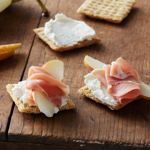 Fruity Prosciutto TRISCUIT Bites Recipe