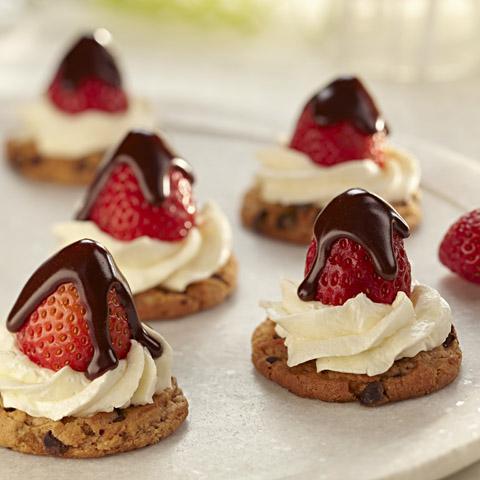 "Chocolate-Covered Strawberry ""Cheesecakes"" Recipe"