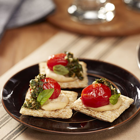 Roasted Tomato & Hummus TRISCUIT Toppers Recipe