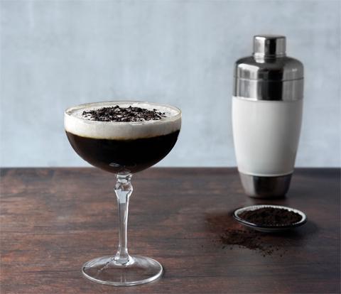 Rum Coffee Cream with OREO Base Cake Recipe