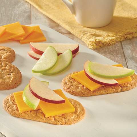 Apple 'n Cheddar belVita Breakfast Topper Recipe