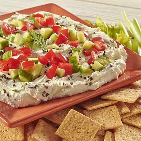 WHEAT THINS Creamy Garlic-Feta Dip