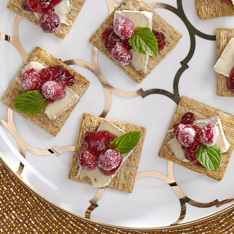 Camembert-Cranberry Holiday TRISCUIT Toppers Recipe