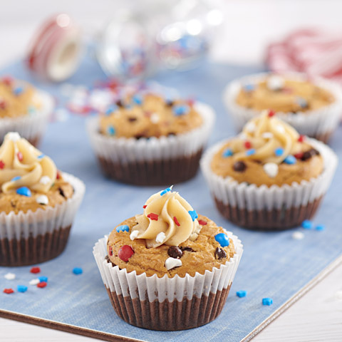 "CHIPS AHOY! Patriotic Cupcakes with ""Cookie Dough Icing"" Recipe"