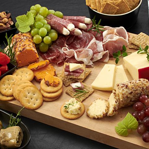 Plateau de fromages et charcuteries Recipe