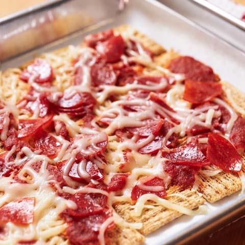 """TRISCUIT Pull-Apart Pepperoni """"Pizza"""" Recipe"""