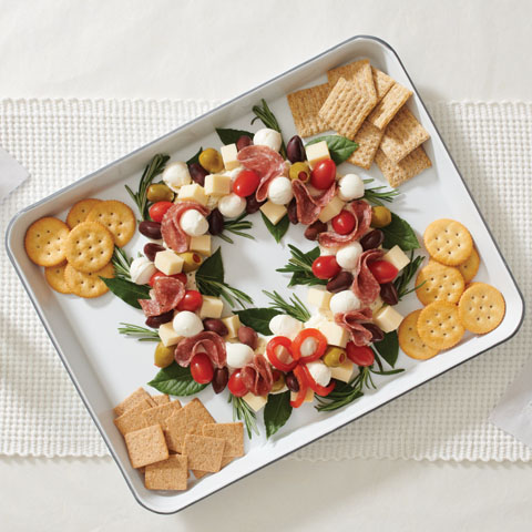 Holiday Cheese Wreath Recipe