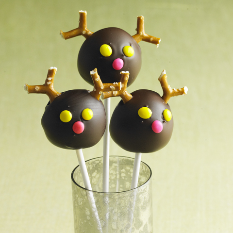 PIRATE Reindeer Cookie Ball Pops Recipe