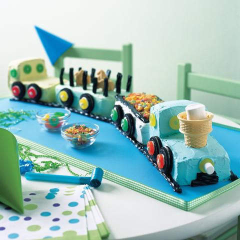 Train de gâteau d'anniversaire OREO Recipe