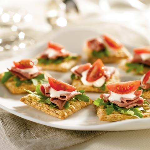 Roast Beef, Arugula and Blue Cheese Toppers Recipe