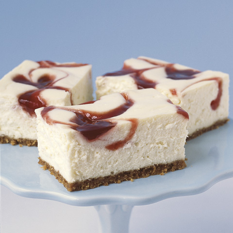 New York-Style Strawberry Swirl Cheesecake Recipe