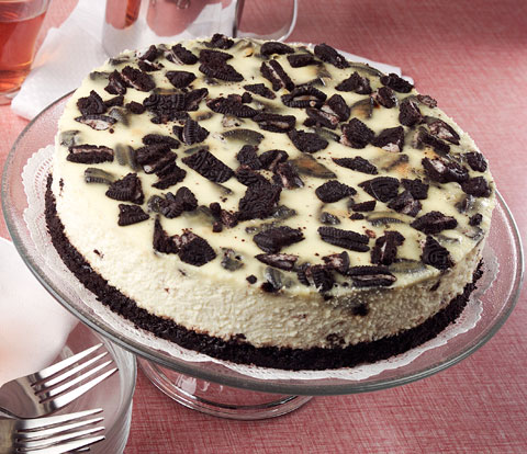 Cookies and Cream Cheesecake with OREO Pieces Recipe